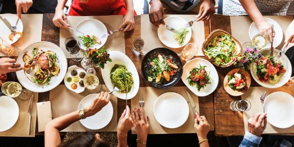 save money eating in restaurants