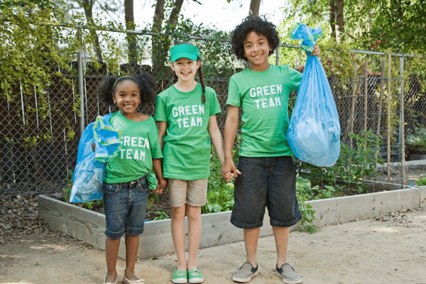 Free activities with children - litter picking